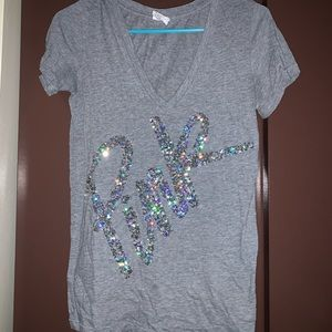 Grey PINK t-shirt